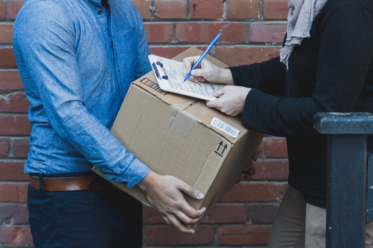 shipping fulfillment strategy self dropshipping third party